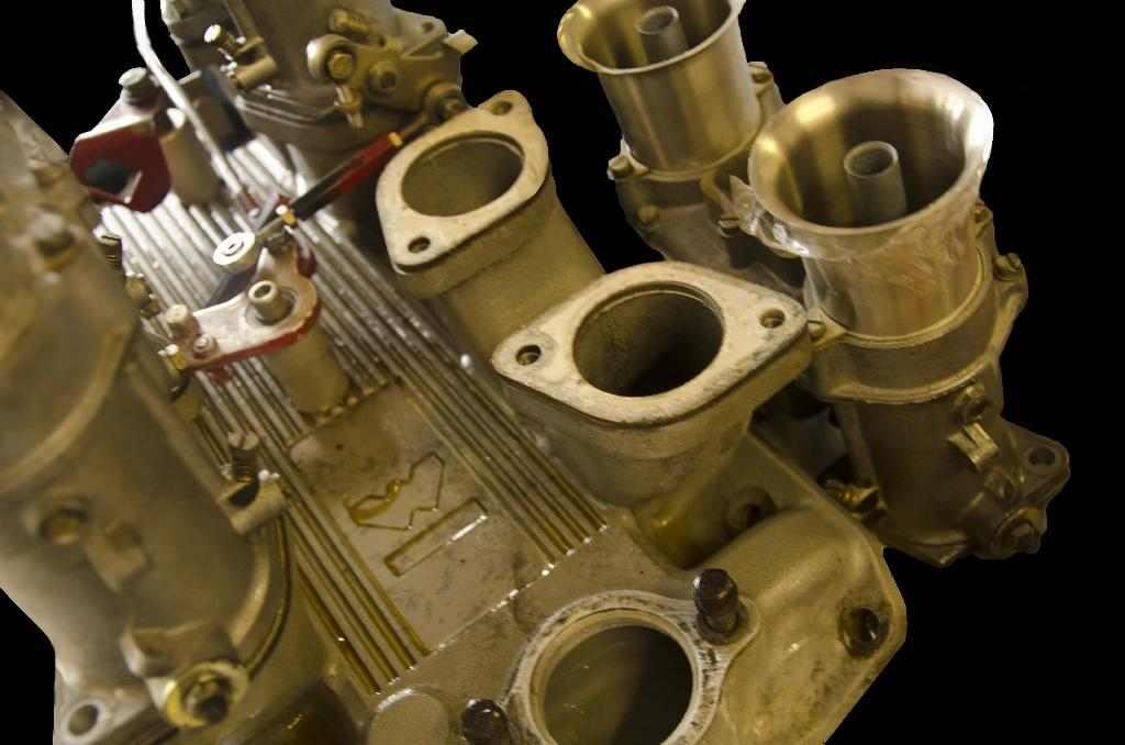 Chevy Weber manifold Before